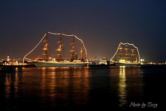 電飾された帆船1