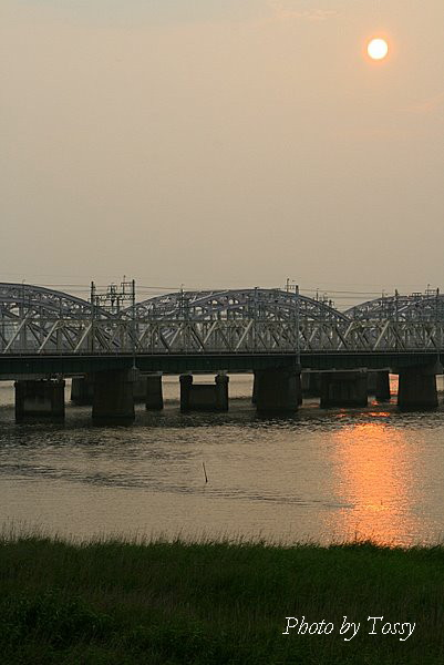夕日の鉄橋