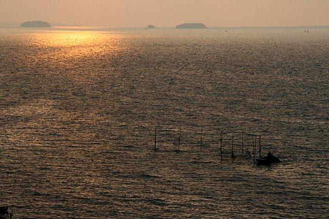 06:04海面
