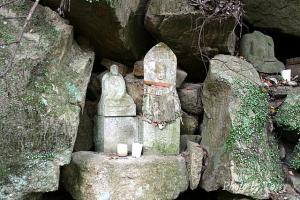 奥の院 石仏