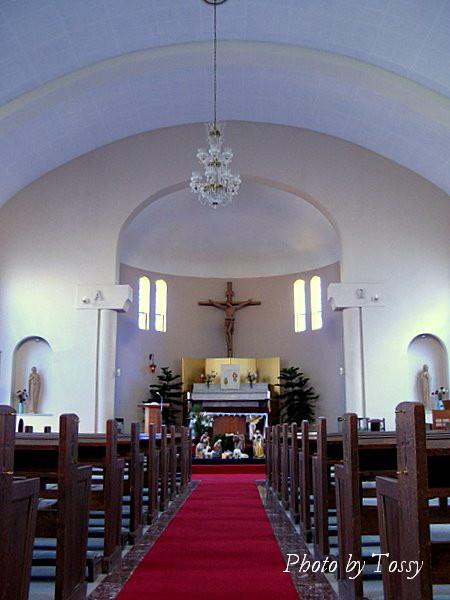芦屋教会聖堂内部