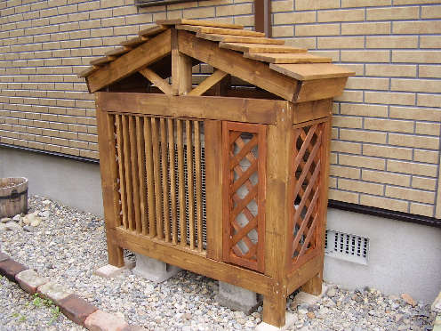 お庭やベランダをおしゃれに♪室外機カバーをDIYしよう!