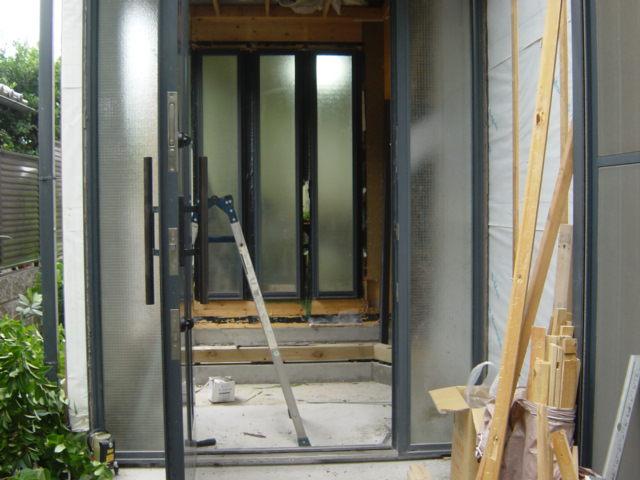 玄関ドア移設改築工事