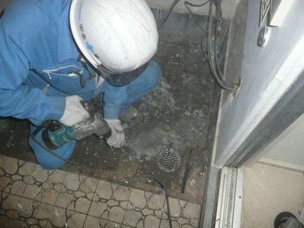 浴室排水トラップ取替え