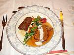 和牛フィレ肉のソテーと特選牛肉の煮込み