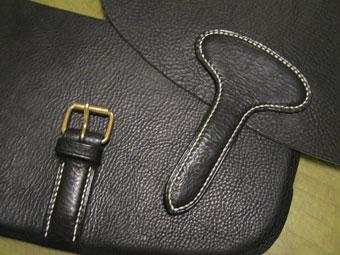 ショルダーバッグの美錠とベロ