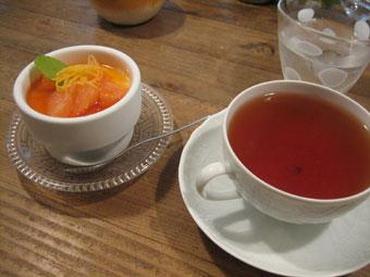 グレープフルーツプリンと紅茶