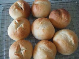 コロッケと丸パン