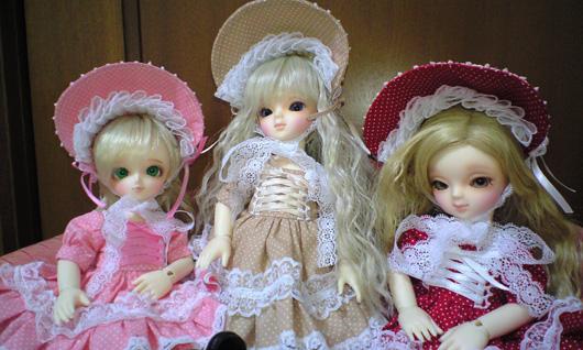 縮小3人ドレス集合