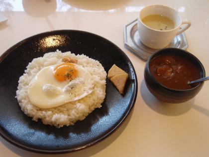 チキンカレー+目玉焼き