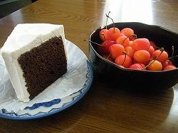 ケーキとさくらんぼ