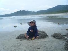 砂遊びも最高