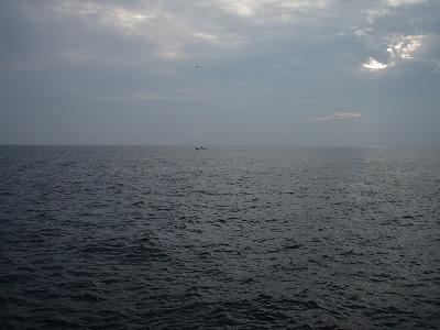 知多半島・鉛色の水平線。