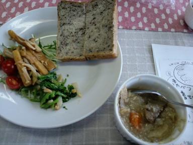 ひじきパン給食