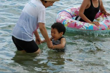初めての海水浴3