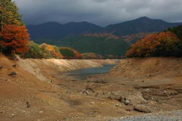 面河ダムの紅葉6
