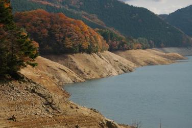 面河ダムの紅葉4