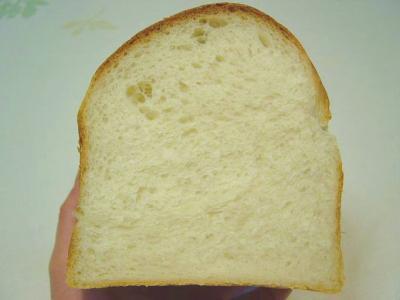 20080324ヨーグルト酵母でイギリス食パン(断面)