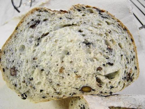 20080523雑穀パン断面