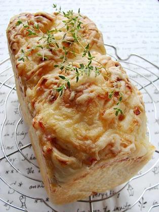 玉ねぎベーコンチーズのパン
