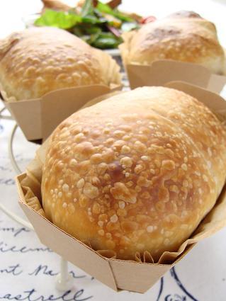 いちご酵母パン1