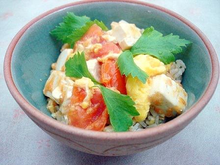 トマト卵丼3