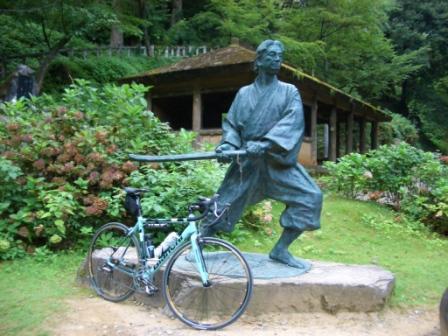 小次郎銅像CIMG2847