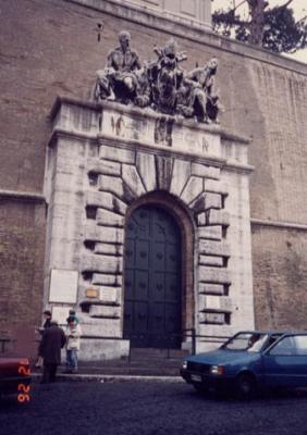 バチカン美術館入り口
