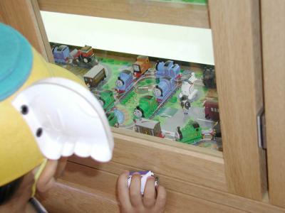 おもちゃ電車28車内ショーケース