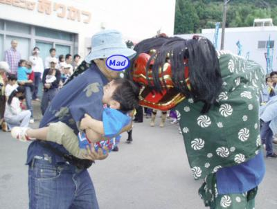 祭り2006-獅子舞にパク!