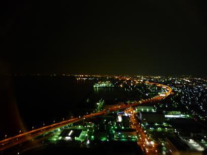 ゲートタワーホテルの窓から(夜景)