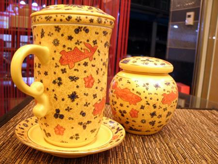 台湾建窯製・魚藻紋マグカップ
