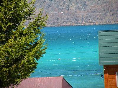 緑の屈斜路湖
