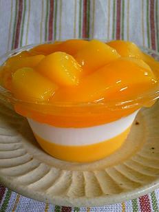 たっぷりマンゴーゼリー2