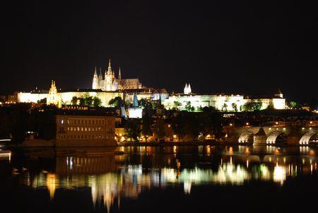 プラハ城夜