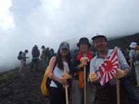 富士登山 6合目でパチリ