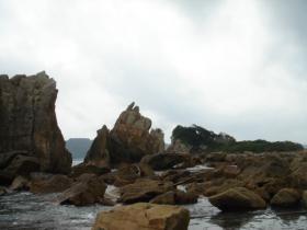 ずっと岩が続いています