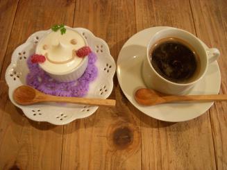 HATTIFNATT 吉祥寺のおうち(ぜいたく生チョコ焼き¥525・ブレンドコーヒー¥420)