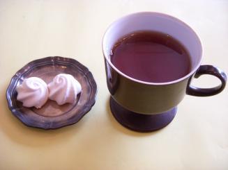 chef d'oeuvre(セットの紅茶とメレンゲ〈一人分は一個〉)