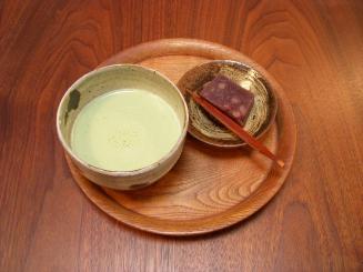 器とcafe ひねもすのたり(セットの抹茶ミルク・温)