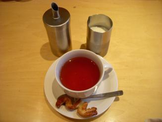 Chez Luc(セットの紅茶(小菓子付き))