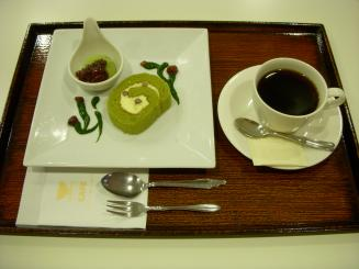 SONOKO CAFE(米粉ロールケーキセット¥750)