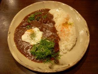 ふら~っと。カレー店プコ家(牛すじプコカレー¥900+温泉玉子¥100)