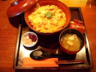 燈庵(大山鶏の親子丼¥880)