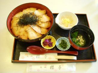 甘味処 櫻子(きじ弁当¥955)