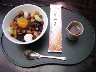 銀座 鹿乃子(鹿乃子あんみつ(つぶし餡)¥1330)