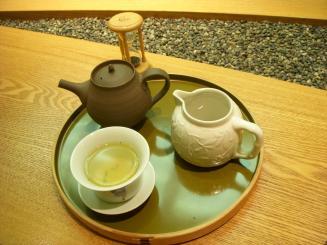 銀座 佐人(セットの高知茶)