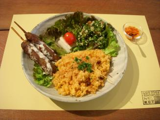 馬喰町ART+EAT(Bセット〈つんつんピラフ・カフタ〉¥1000)