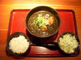 麺や 池尻(坦坦麺〈黒ゴマ〉¥800)