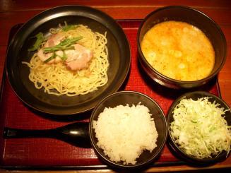 麺や 池尻(坦坦つけ麺 熱盛り〈白ゴマ〉¥950)